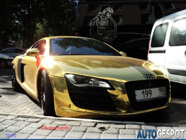 audi r8 or 001 Audi R8 en Or (4 photos)