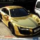 thumbs audi r8 or 002 Audi R8 en Or (4 photos)