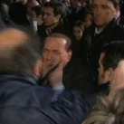 thumbs berlusconi se fait agresser 002 Berlusconi se fait agresser (10 photos)