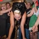 thumbs femme rituel biere 007 Les filles et le rituel populaire de la bière (101 photos)
