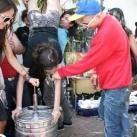 thumbs femme rituel biere 015 Les filles et le rituel populaire de la bière (101 photos)