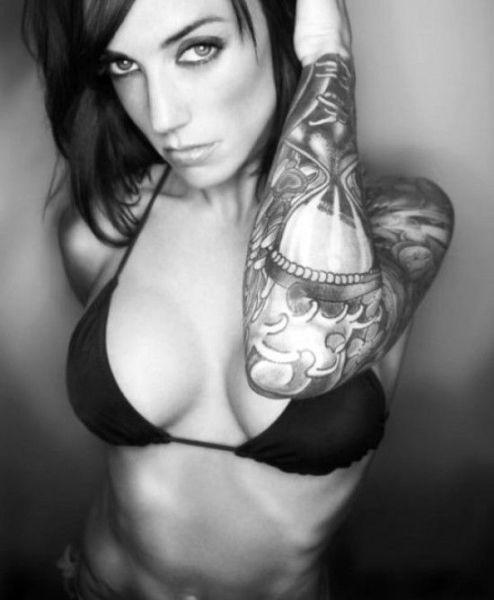 femme tatouee 001 Les Femmes Tatouées (57 photos)