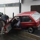 thumbs femme au vollent accident019 femmes aux volants = Accidents x) (33 photos)
