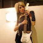 thumbs filles et instruments de musique 12 Des filles sexy avec des instruments de musique (47 photos)