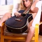 thumbs filles et instruments de musique 25 Des filles sexy avec des instruments de musique (47 photos)