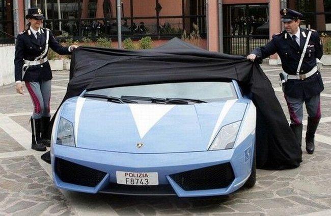 lamborghini gallardo accidentee 001 Lamborghini Gallardo accidentée (16 photos)