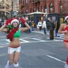thumbs la course des peres noel en maillot de bain a boston 004 La course des Pères Noël en maillot de bain à Boston (19 photos)