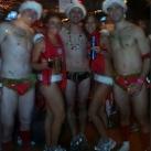 thumbs la course des peres noel en maillot de bain a boston 013 La course des Pères Noël en maillot de bain à Boston (19 photos)