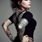 thumbs tatouages 025 Des filles avec des tatouages (33 photos)