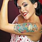 thumbs tatouages 033 Des filles avec des tatouages (33 photos)