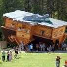 thumbs une maison a l envers 001 Une maison à lenvers, du sol au plafond ! (4 photos)